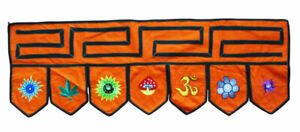 Tuerbehang-Toran-Thorang-L-95-cm-Nepal-Stickereien-orange-Baumwolle-Goa-Hippie