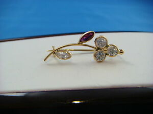!CUTE 18K SMALL FLOWER BROOCH WITH RHINESTONES MADE IN ITALY 1.5 GRAMS