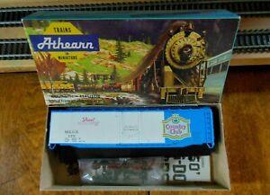 Athearn-1332-HO-Scale-50-039-Plug-Door-Boxcar-Kit-034-Pearl-Brewing-Company-034