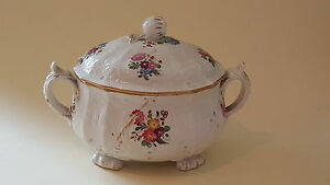 Flower-design-vintage-Victorian-antique-small-footed-tureen-bowl