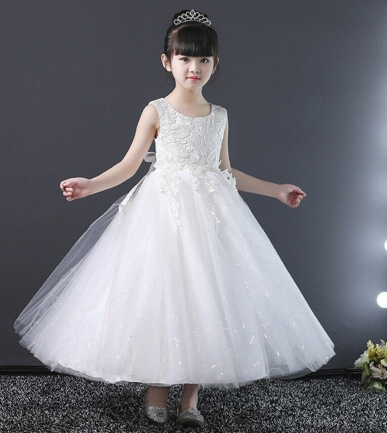 7 Year old Bridemaide, Communion Lace Dress coming with tiara