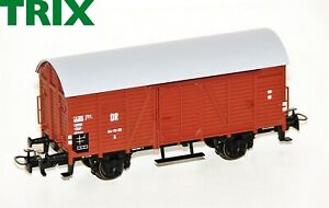 Trix-H0-21532-4-Gedeckter-Gueterwagen-GR-der-DR-NEU