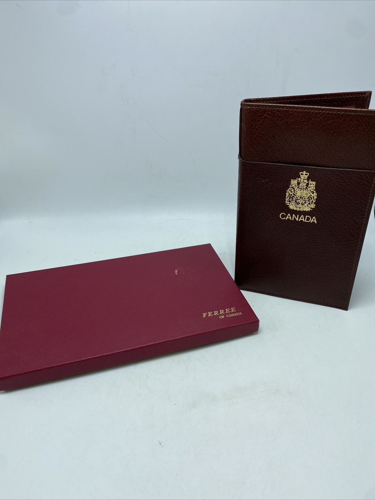 Ferree Of Canada Leather Travel Wallet Brown Gold