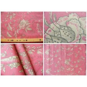 Coupon-fabric-by-50cm-sati-grey-red-background