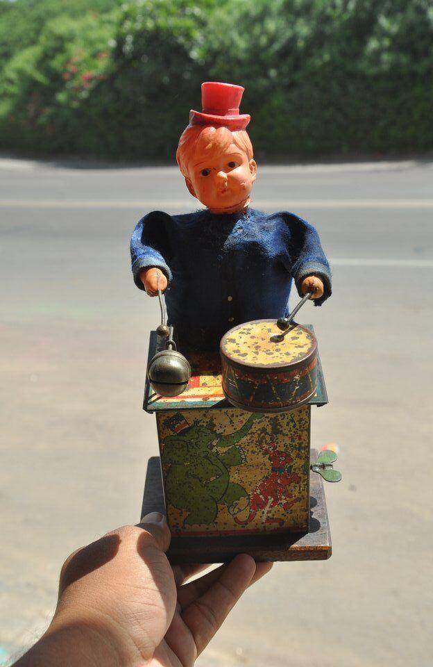 Vintage Boy Jugaring Drum C.K Trademark Litho Tin Juguete,Japan