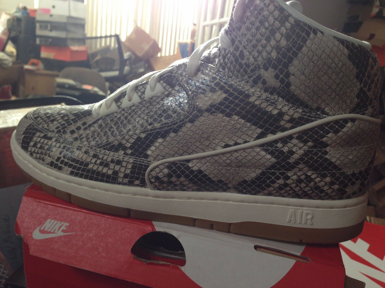 NIKE AIR PYTHON PRM BNIB BROWN SAIL GUM SIZE 11