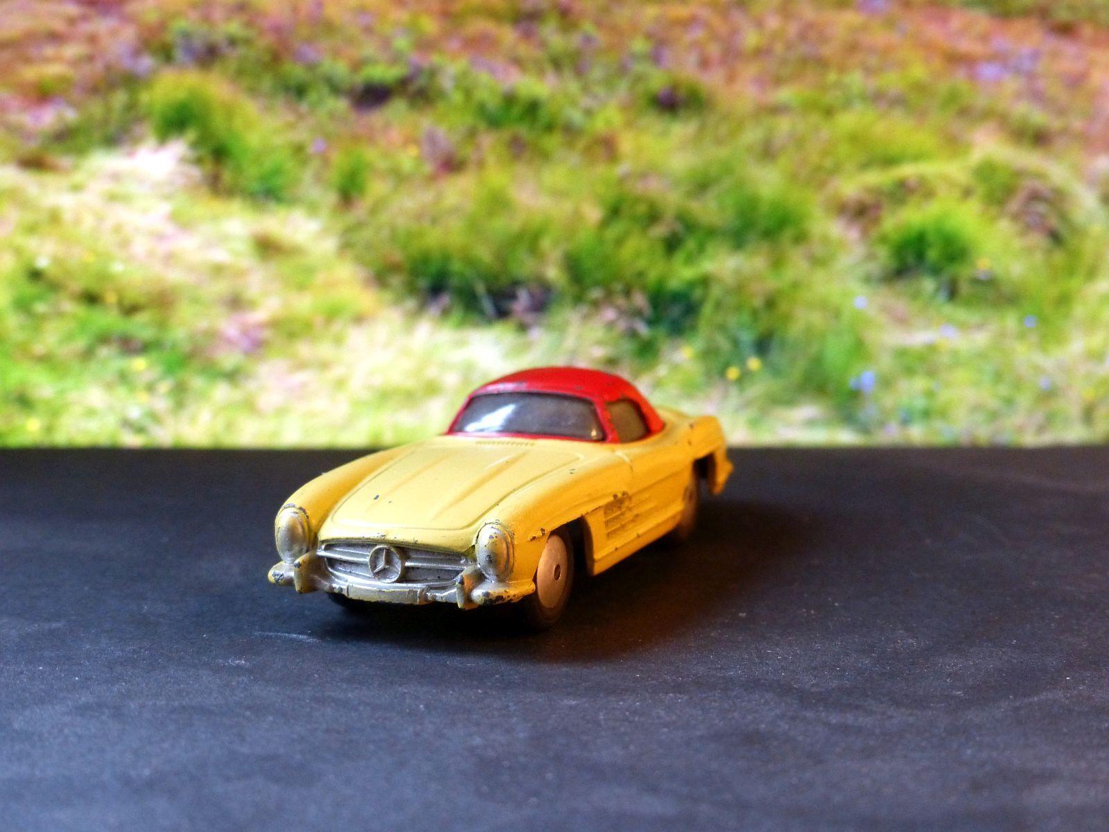 Corgi  Toys 304 Mercedes Benz 300SL  protection après-vente