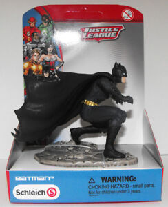 Batman-Kneeling-Justice-League-Figurine-New-in-Box-Schleich-22503