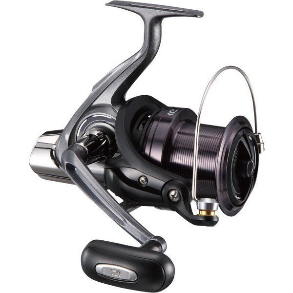 Daiwa 17 CROSSCAST 5000 Spininng Reel SURF CASTING from Japan New