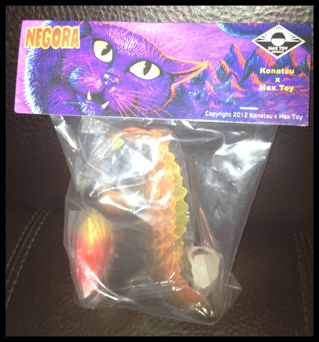 Kaiju floqué Halloween negora Cat Candy Corn Big Fish Max Toy COMPANY new in box RARE