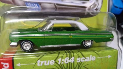 NG148 Auto World Custom Lowriders 1962 Chevy Impala SS Hardtop