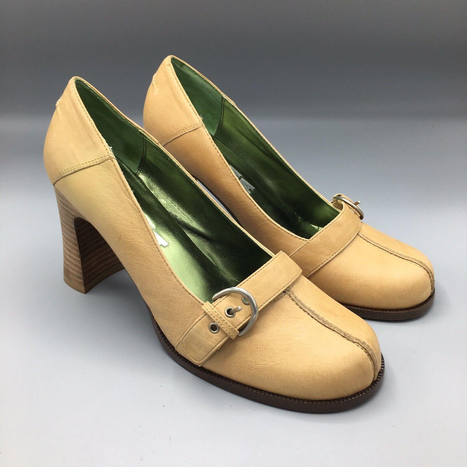 NIB NANA Dimensione 8 Tan Leather Block Heels  with Buckles  vanno a ruba