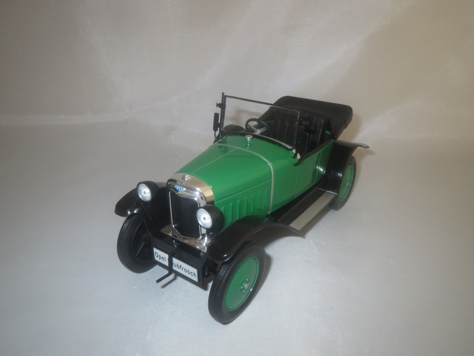 gran descuento ModelCoche Group Opel Laubfrosch (verde negro) negro) negro) 1 18 sin embalaje   tienda en linea