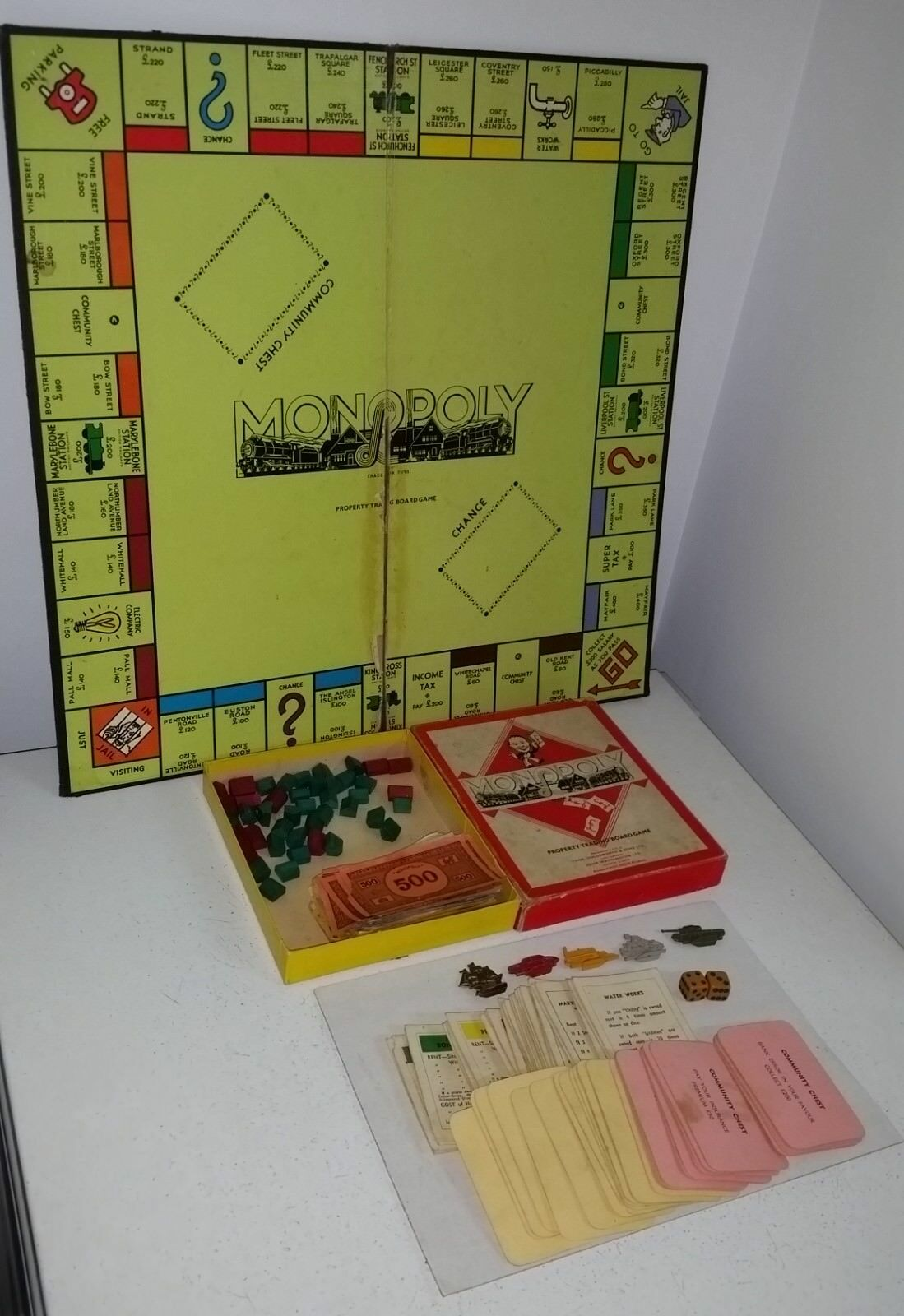 Monopoly Set Ultra Rare c1953 Made in NZ Waddington   Holdsworth