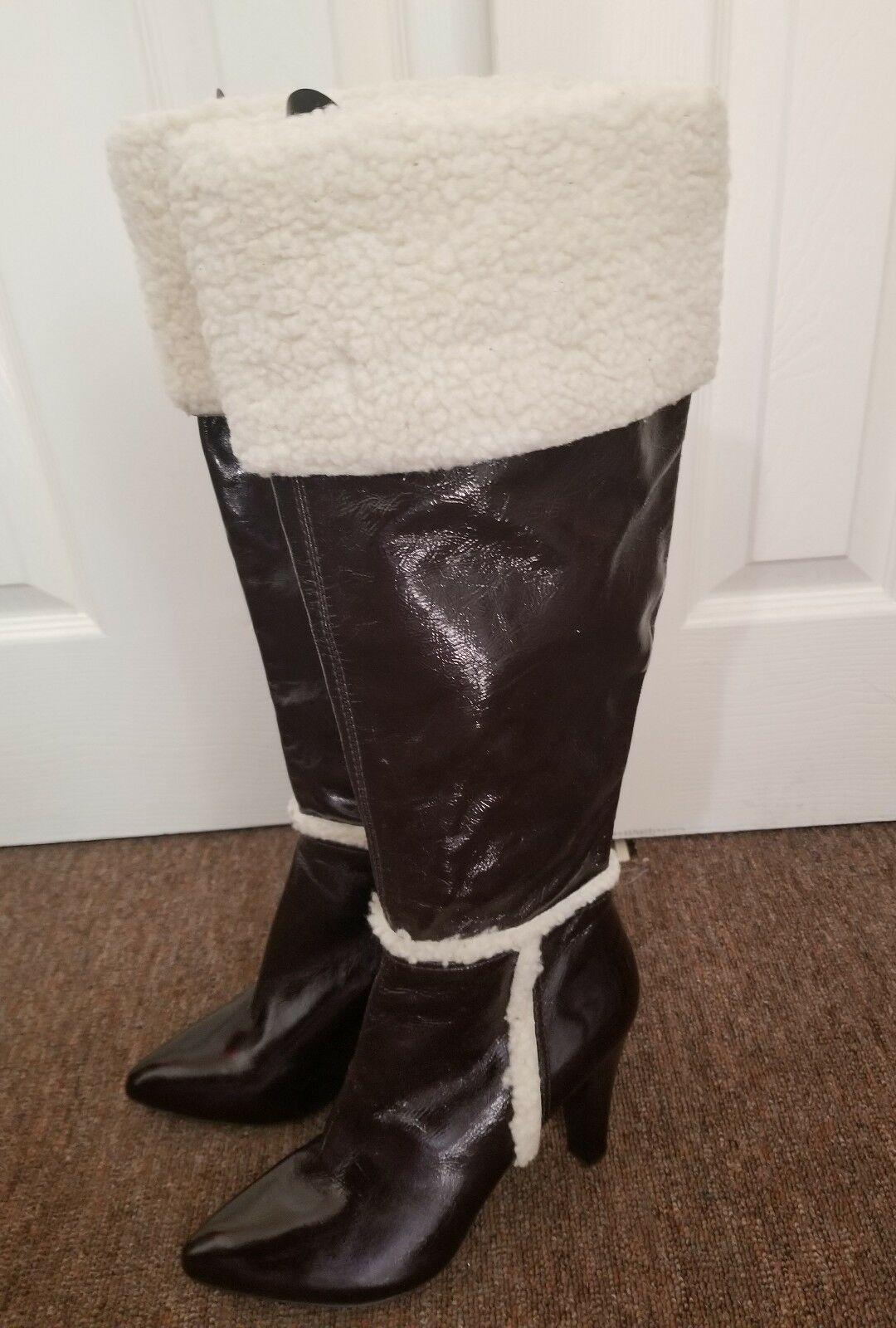 NEW NINE WEST ACCENTS DARK Marronee LEATHER FAUX FUR KNEE HIGH stivali SZ 8.5 M