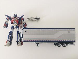 Transformers Takara Optimus Prime Dark Of The Moon Deluxe Figure & Trailer