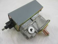 NEW G60DCG-2 JOHNSON CONTROLS IGNITION MODULE W/ VLV34A-626 GAS VALVE DOMETIC