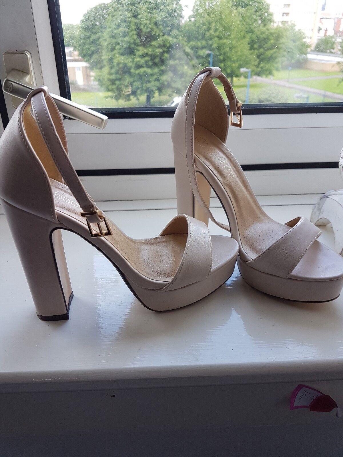 Boohoo ladies platform sandals Nude shoes open toes UK size 4