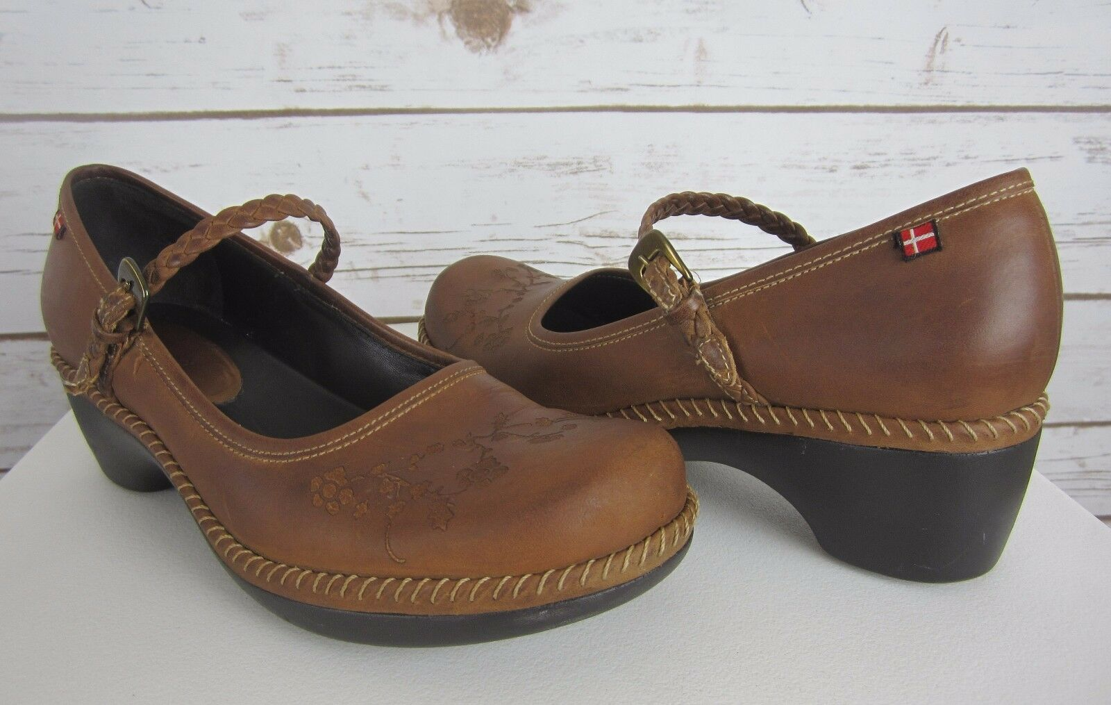 ECCO SUSSEX Womens US 8 Brown Tooled Leather Mary Janes Clogs Shoes Braided