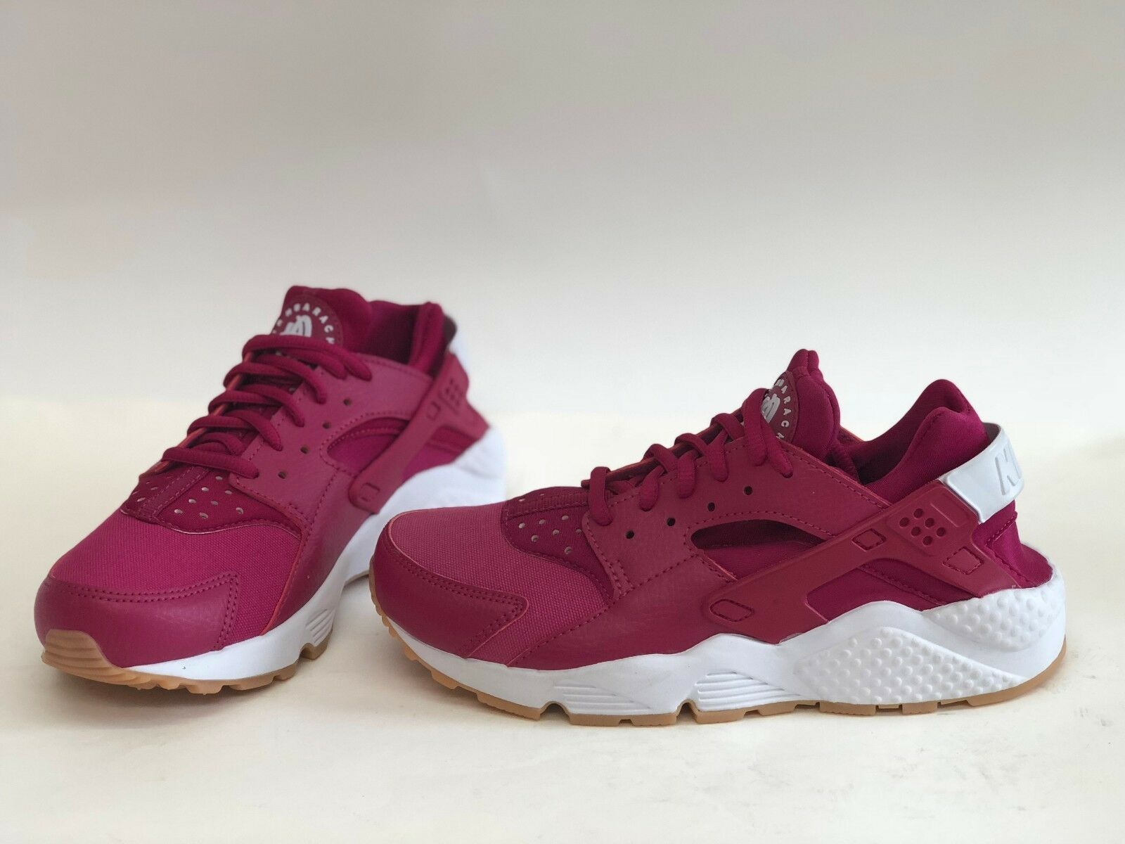 NIB WOMENS SIZE 7 NIKE AIR HUARACHE RUN SNEAKERS FUCHSIA 634835 606