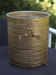 Hollywood-Regency-Gold-Metal-Filigree-Ormolu-Wreath-Tassels-Wastebasket-amp-Liner