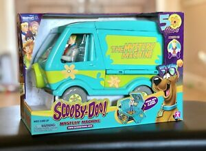 Scooby-Doo The Mystery Machine Playset 50 Years Walmart Exclusive Fred Figure