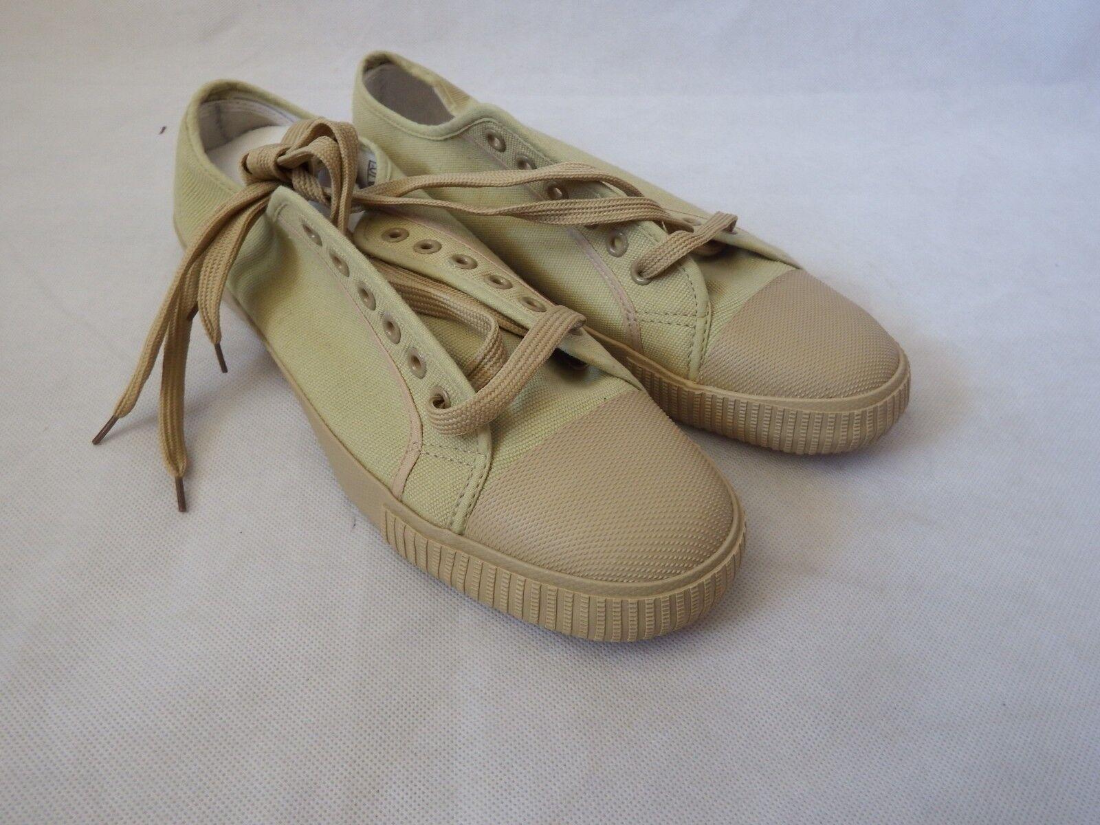 Plimsoles Chaussures à Lacets Escarpins taille vert kaki - 1 Pour £ 8, 2 paires pour £ 12