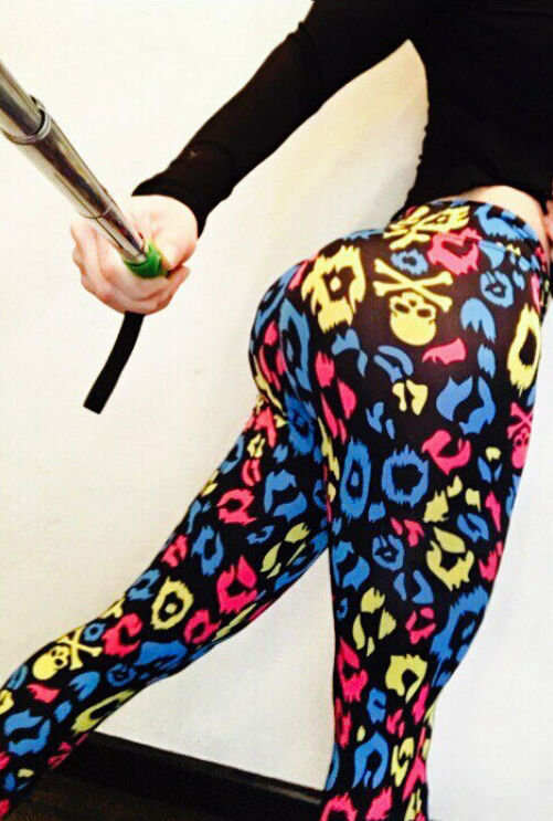 BONA FIDE FIRST PUSH UP LEGGINGS  SOMETHING WRONG