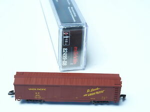 82499-09-Marklin-Z-scale-4-AXLE-BOX-CAR-SP-Southern-Pacific-USA-NIB