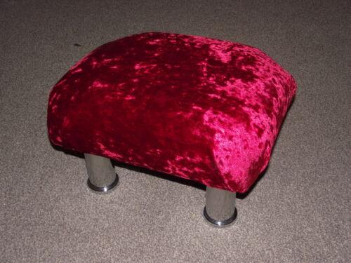 Superbe rouge velours petit repose-pieds avec métal chromé pieds repose-pieds
