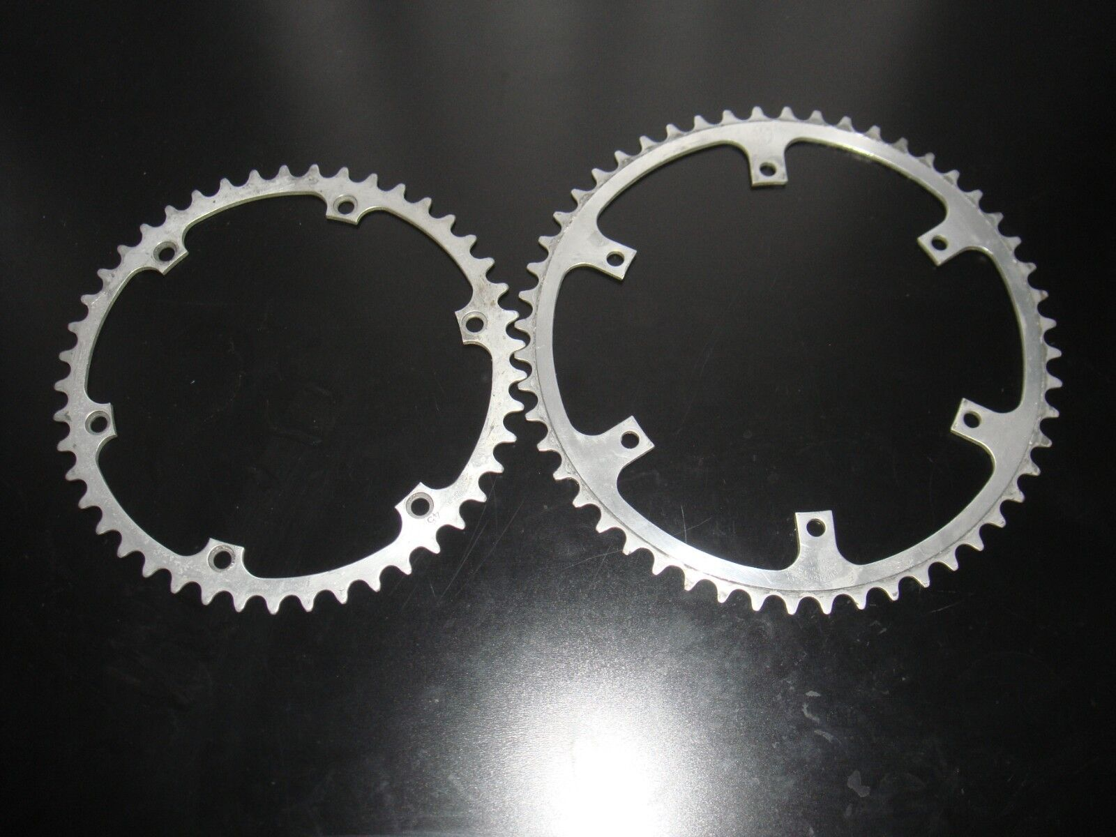 Set of specialité t.a chainrings duralumin cegedur 45 52 teeths for adaptator