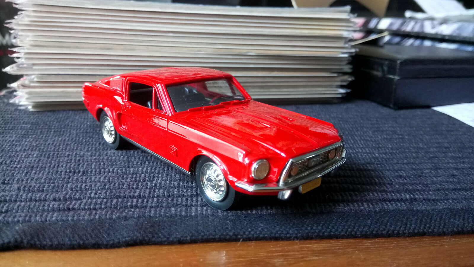 1 43 Brooklin Ford Mustang Fastback BRK. 24a hecho a mano