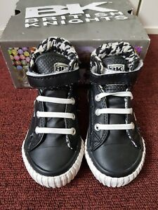 BK British Knights Baby Shoes Skater Black n white. Comfy infant ... d383a75a5