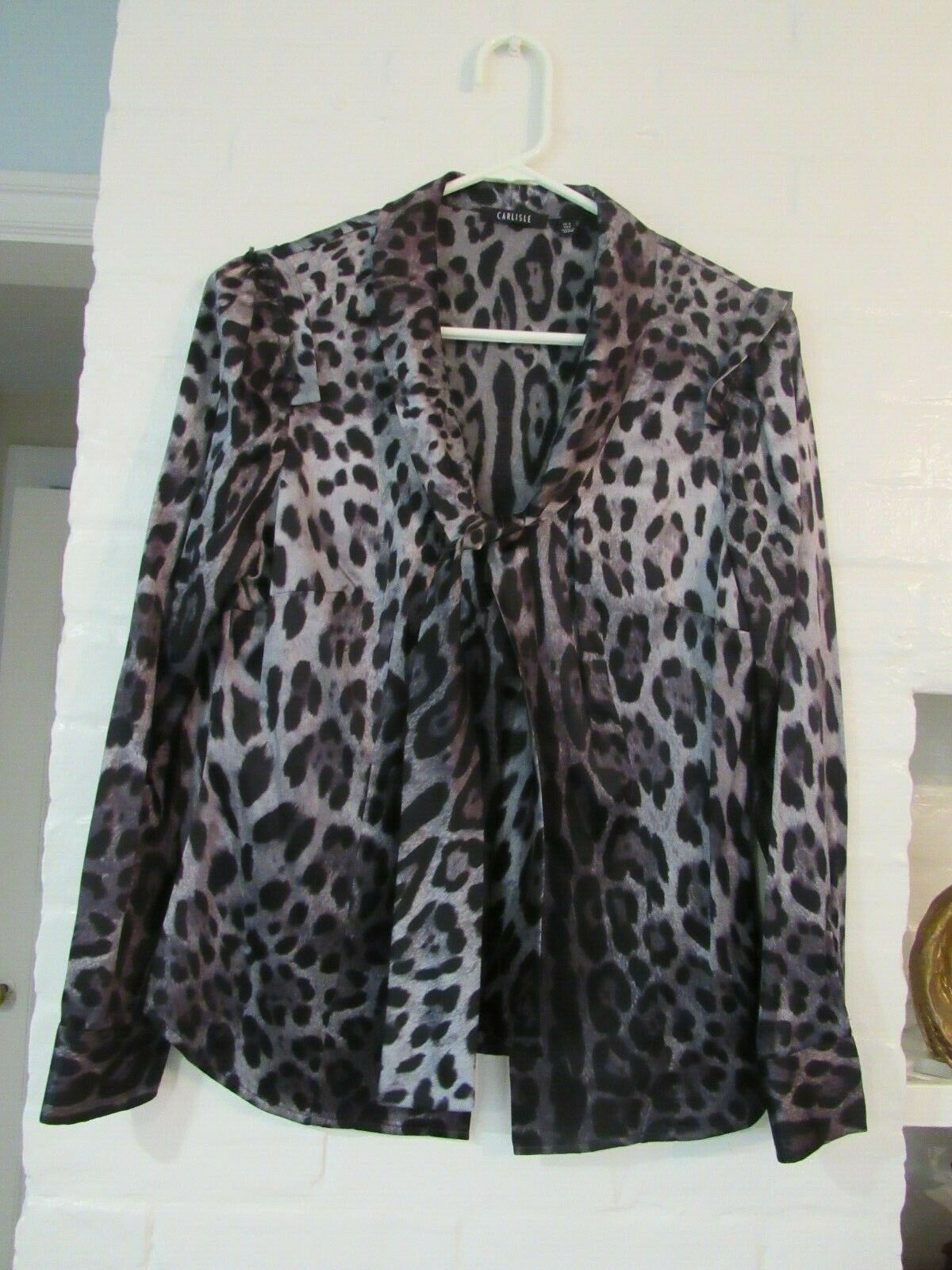 VINTAGE CARLISLE 100% Silk Charmeuse grau Animal Print Tie Blouse Sz 4 NOT WORN