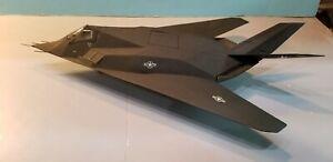 ARMOUR-98063-USAF-F-117-034-NIGHTHAWK-034-1-48-SCALE-DIECAST-METAL-MODEL
