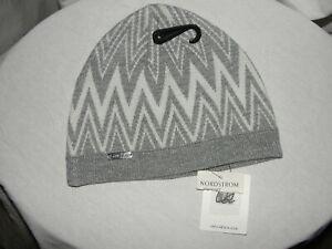 3f9d5e377c4 New CALVIN KLEIN Women s Winter Beanie Hat Grey Gray Silver Acrylic ...