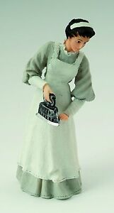 1-12th-SCALE-DOLLS-HOUSE-MAID-WITH-IRON-FIGURE