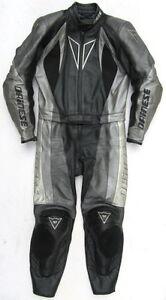 Top-DAINESE-Mako-Gr-48-Zweiteiler-Lederkombi-schwarz-grau-Leathers-Suit