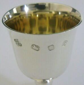 PRETTY-LITTLE-ENGLISH-SOLID-SILVER-GOBLET-CHALICE-CUP-COMMUNION-GIFT-LONDON-1974