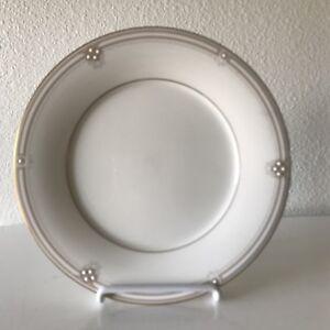Noritake-7730-SATIN-GOWN-Gold-Trim-Salad-Plate-8-1-4-034-Made-in-Japan