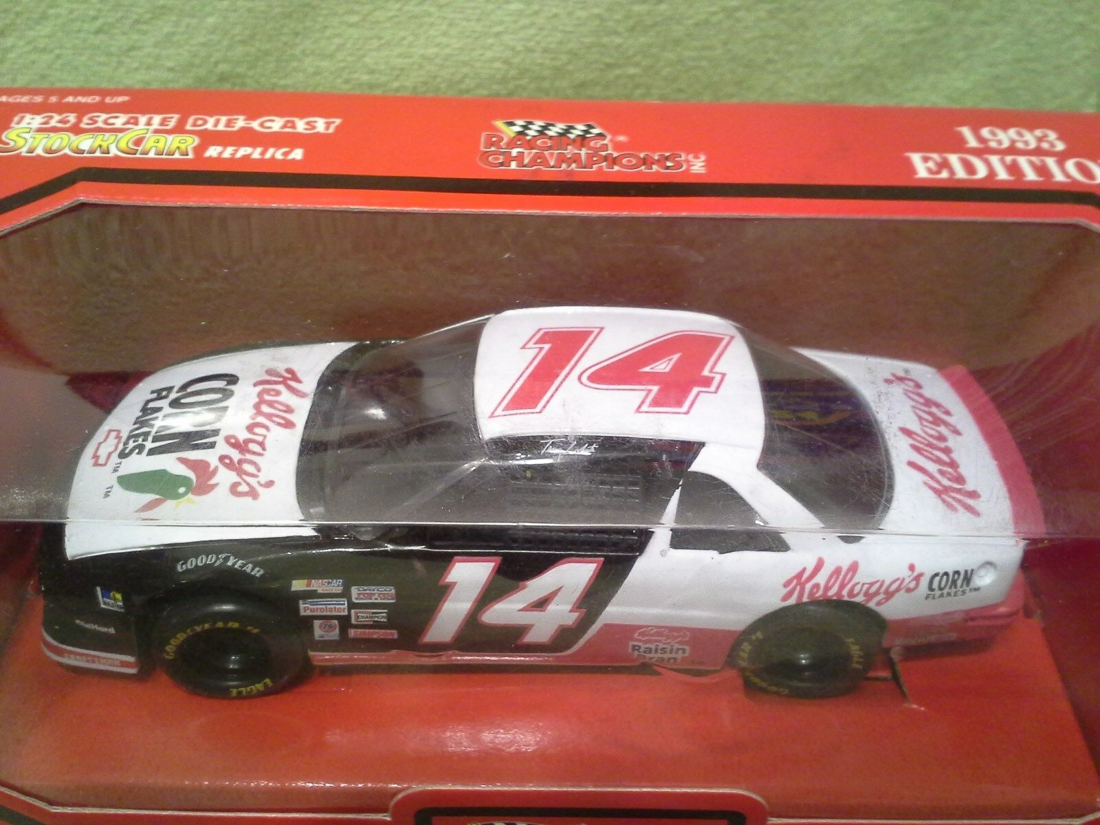 1993 Racing Champions TERRY LABONTE KELLOGGS 1 24 Nascar Diecast NEW