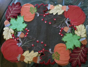 """Thanksgiving Fall Placemat Set of 4 Embroidered Fall Leaves & Pumpkins 18""""x 13"""""""
