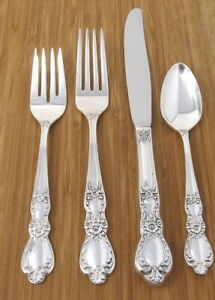 1847 Rogers Bros HERITAGE Silverplate 4 Piece Place Setting Knife Forks Spoon
