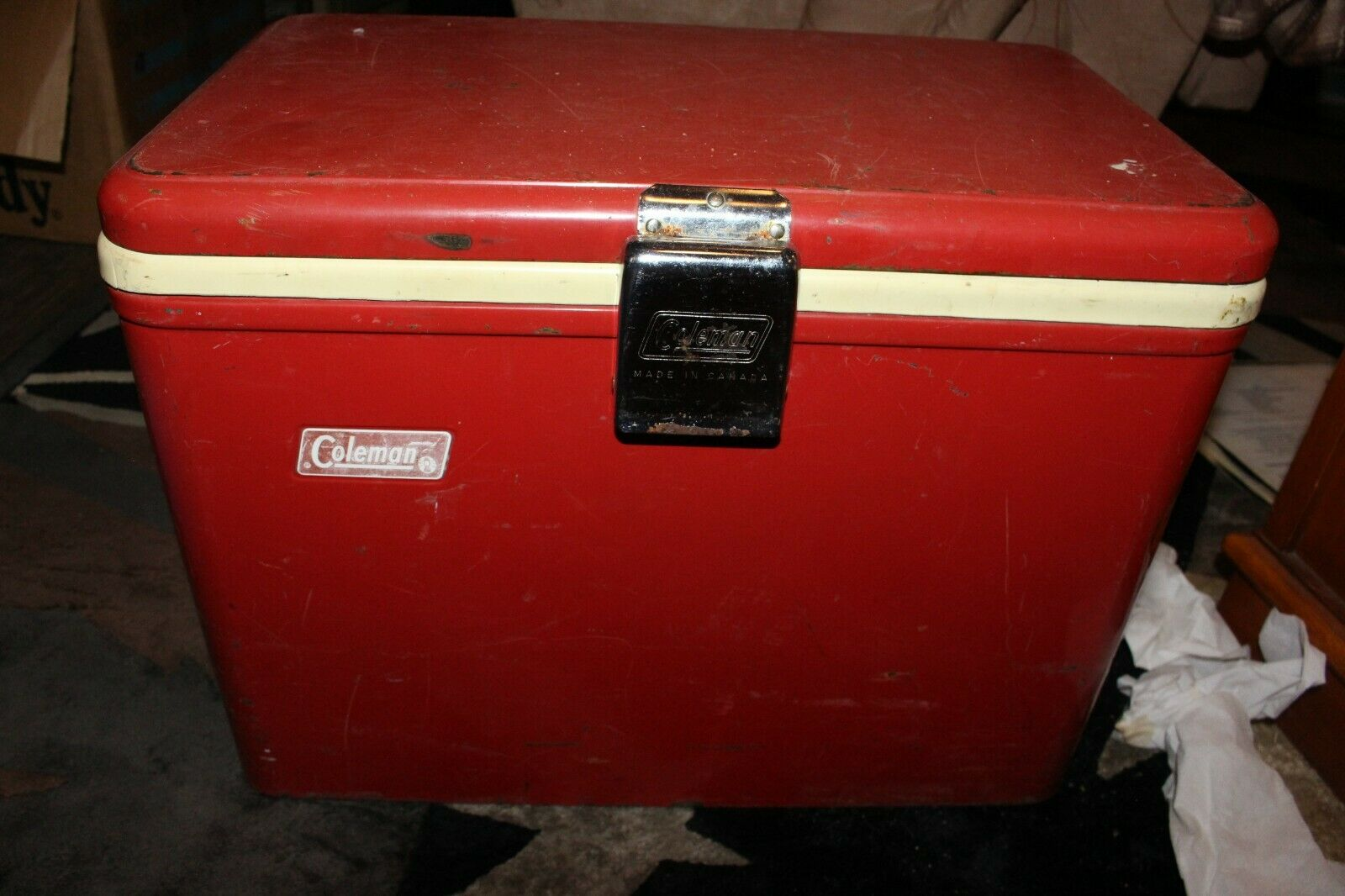 Coleman Red &  White Metal Cooler Vintage Camping Car Show Ice Chest Steel  classic fashion