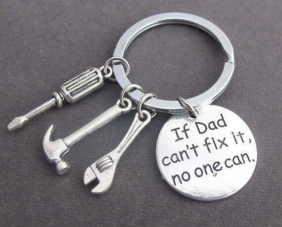 """Novelty Collectable """"If Dad Can't Fix It No One Can"""" Metal Keyring."""