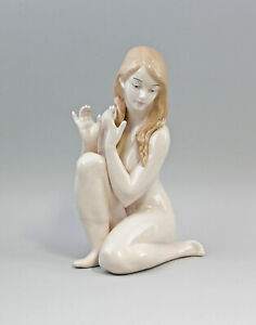 9973082-dss Porcellana Figura Nudo Nuda Bambina Erotico