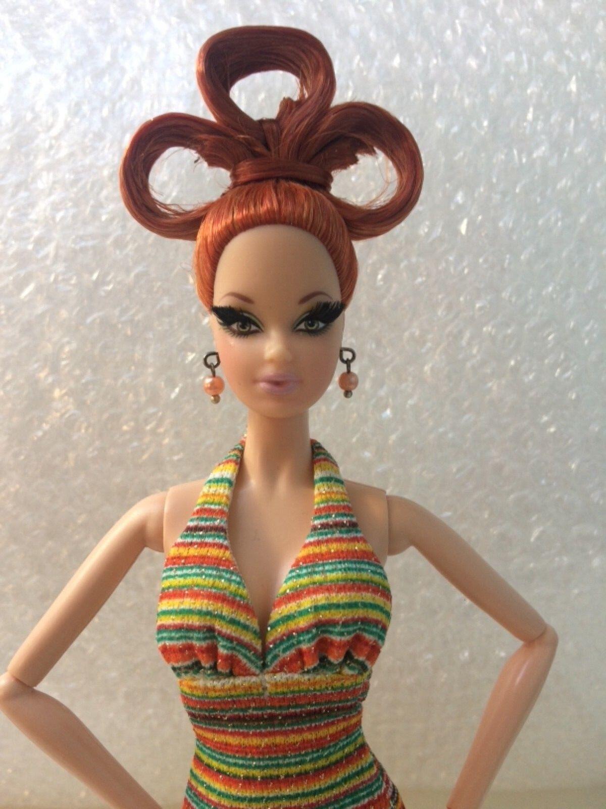 Oro LABEL, POP LIFE Steffi Bambola Barbie in abito a righe