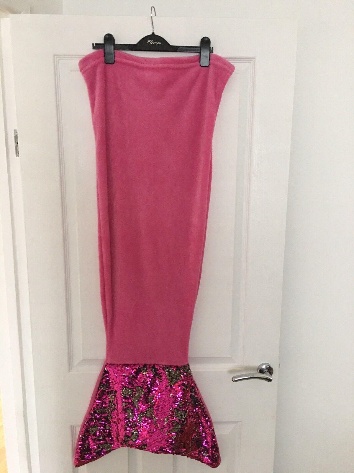 Stunning mermaid tail blanet pink sequin
