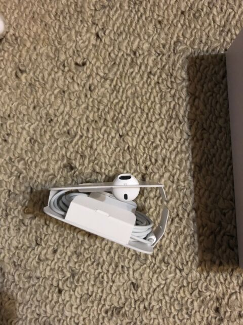 Authentic NEW Apple Headphones For IPHONE