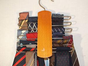 Beau-Lot-19-Cravates-dont-Carven-Courrege-Philippe-Vendome